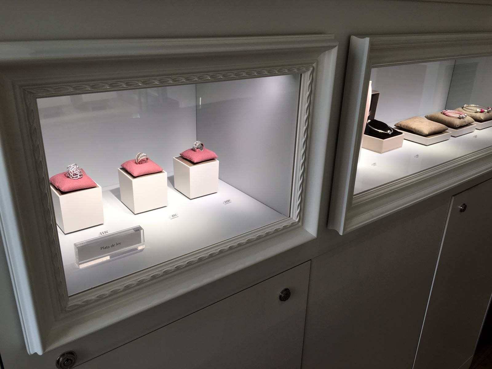 Emilio Rotgl Dise O De Interiores Para Joyer As Proyectos De  # Muebles Para Joyeria